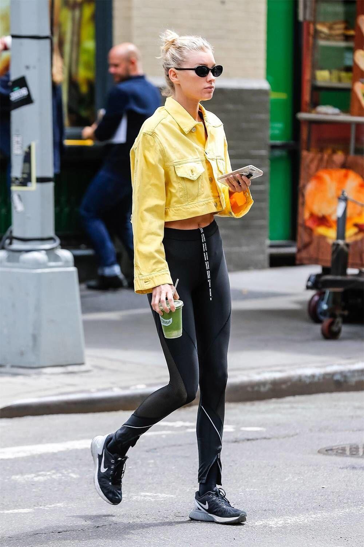 Girls, Jangan Sampai Kamu Memadukan Outfit Ini dengan Legging Ya