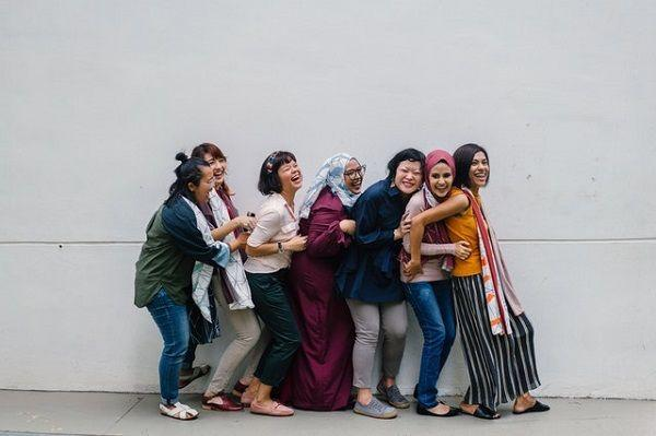 Bikin Cowok Kagum, 7 Tanda yang Menunjukkan Kamu Punya Sifat Keibuan