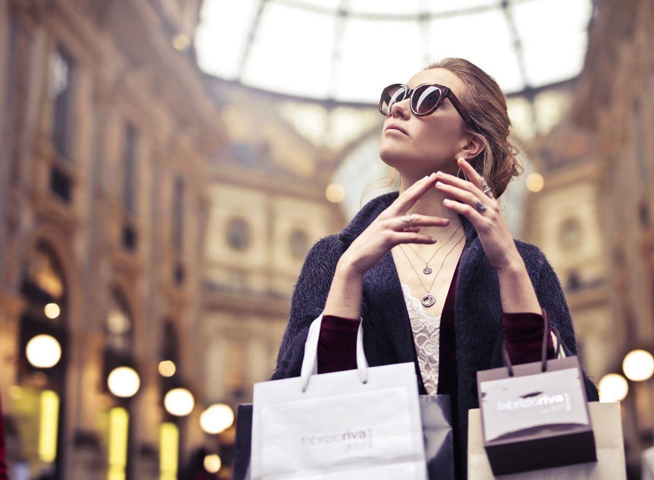 5 Tips Cermat buat Cewek Gila Belanja, Biar Kantong Gak Bolong!