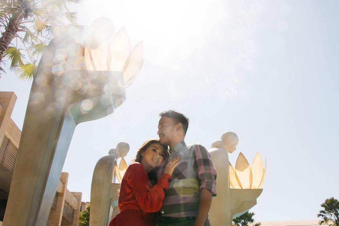 Kerja Sambil Liburan, 10 Potret Mesra Ruben Onsu dan Sarwendah di Bali