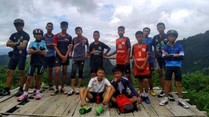 Misi Berhasil, 12 Anak dan Pelatih Diselamatkan dari Gua di Thailand