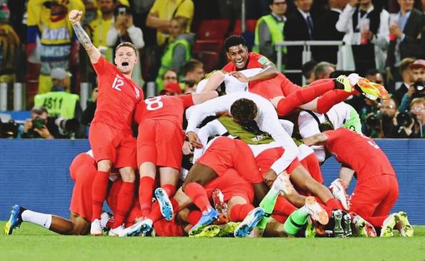 Lagu Tanpa Henti Pendukung Inggris Sedunia: Football Is Coming Home! #SundulDunia