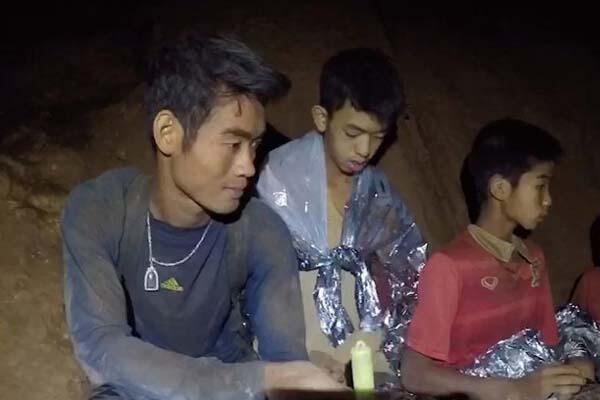 Gimana Chanthawong (25 Tahun) Menjaga 12 Bocah Thailand Tetap Hidup Selama di Goa?