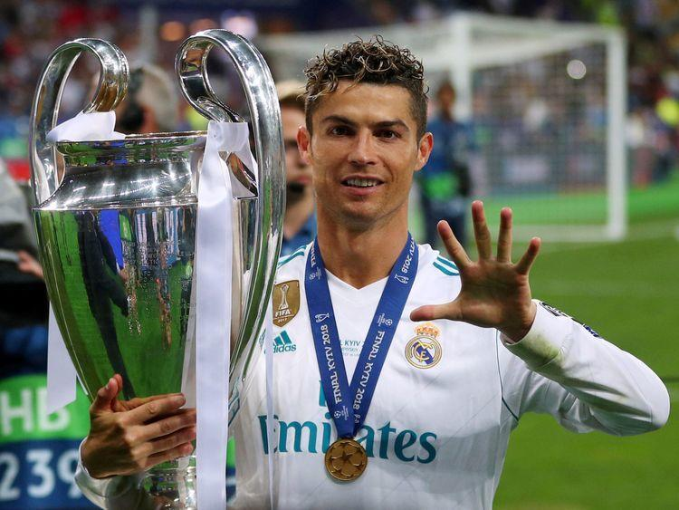 Resmi! Cristiano Ronaldo Berseragam Juventus