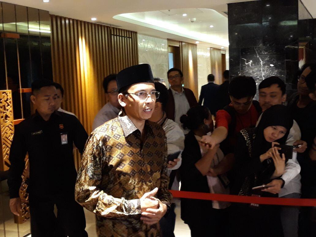 Dukung Jokowi, TGB Siap Terima Sanksi dari Demokrat