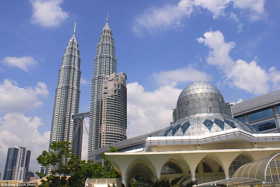 Malaysia Tahan Ribuan Pekerja Ilegal Indonesia dalam Operasi Mega 3.0