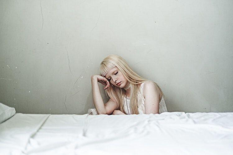 Bukan Cengeng, 5 Alasan Gak Perlu Malu Menangis Saat Punya Masalah