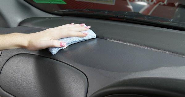 7 Manfaat Tak Terduga dari Cuka yang Bikin Mobil Kamu Cling!