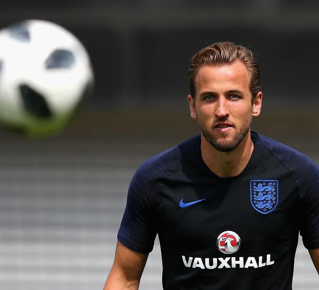 10 Style Harry Kane, Kapten Timnas Inggris yang Jadi Sorotan
