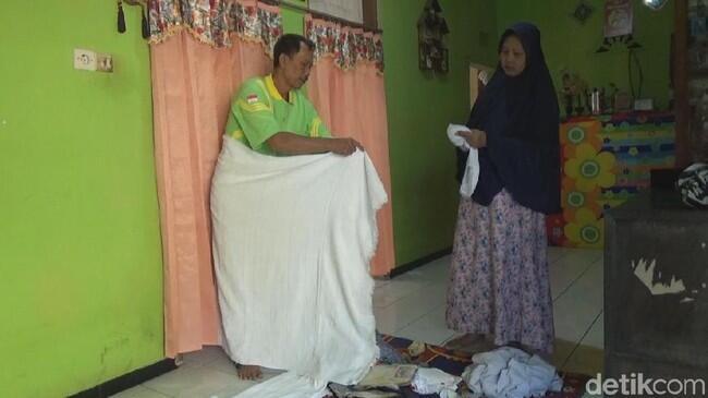 Demi Haji, Pasutri Penjual Es Tebu: Beli Kangkung Rp 500 Cukup