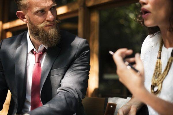Pahami 7 Hal Ini sebelum Menjalin Hubungan dengan Teman Sekantor