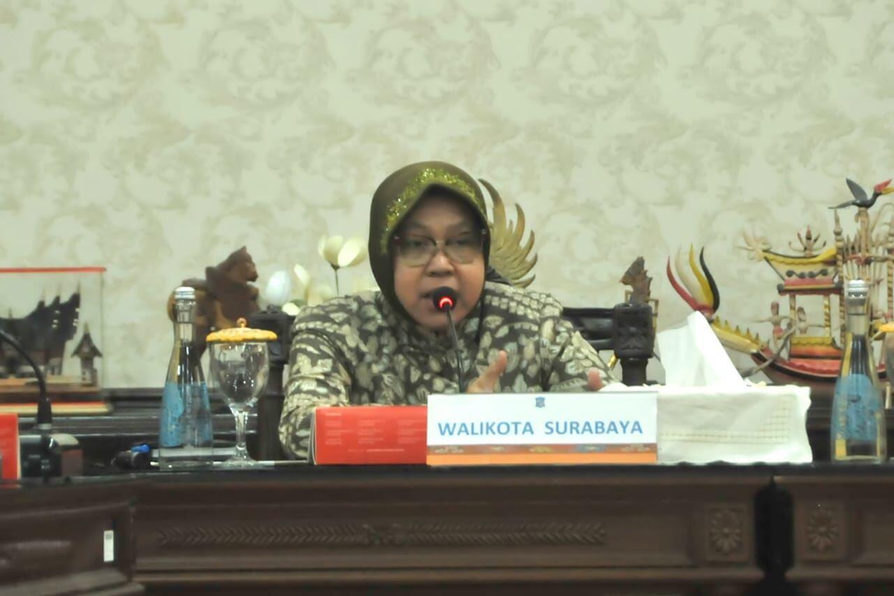 Kumpulkan Camat, Risma Tanyakan e-KTP yang Tertahan Dua Tahun
