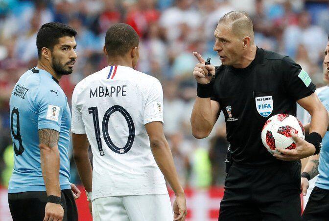 4 Fakta Nestor Pitana, Wasit Pertandingan Final Piala Dunia 2018