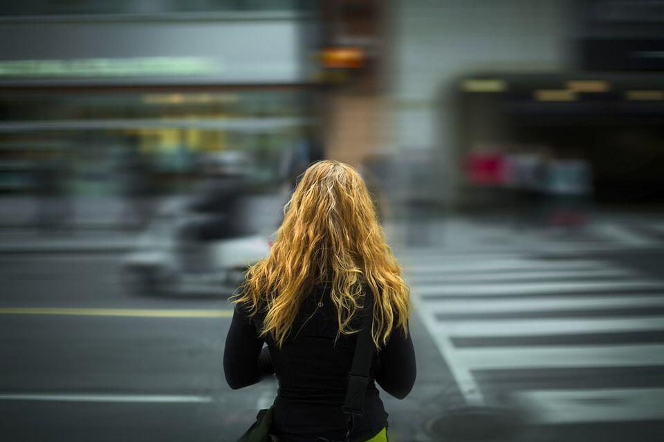 Hedonisme, Faktor yang Bikin Remaja Terjerumus ke Dunia Prostitusi