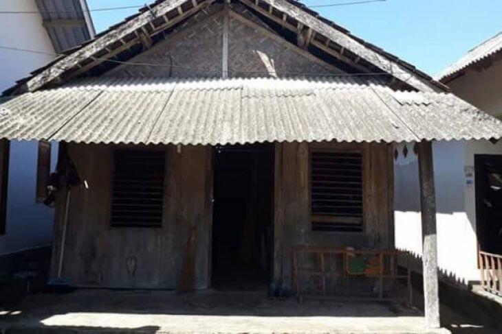 Presiden Jokowi Perintahkan Menteri PUPR Renovasi Rumah Zohri
