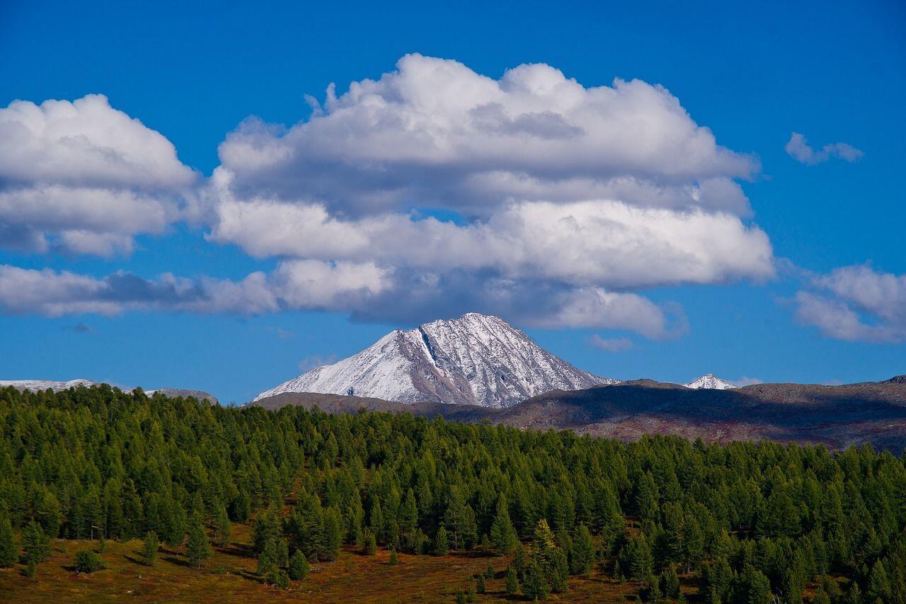 Pesona Pegunungan Altai Rusia yang Mampu Menenangkan Jiwa dan Raga