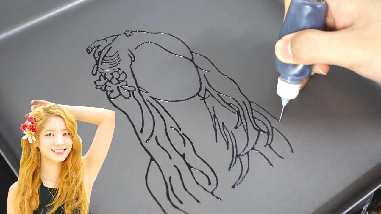 Keren! Seniman Ini Bikin Fan Art Idol KPop yang Bisa Dimakan