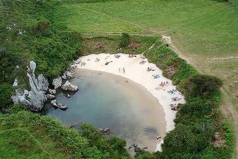 Pantai Yang Tak Punya Laut Lepas, Kok Bisa ?