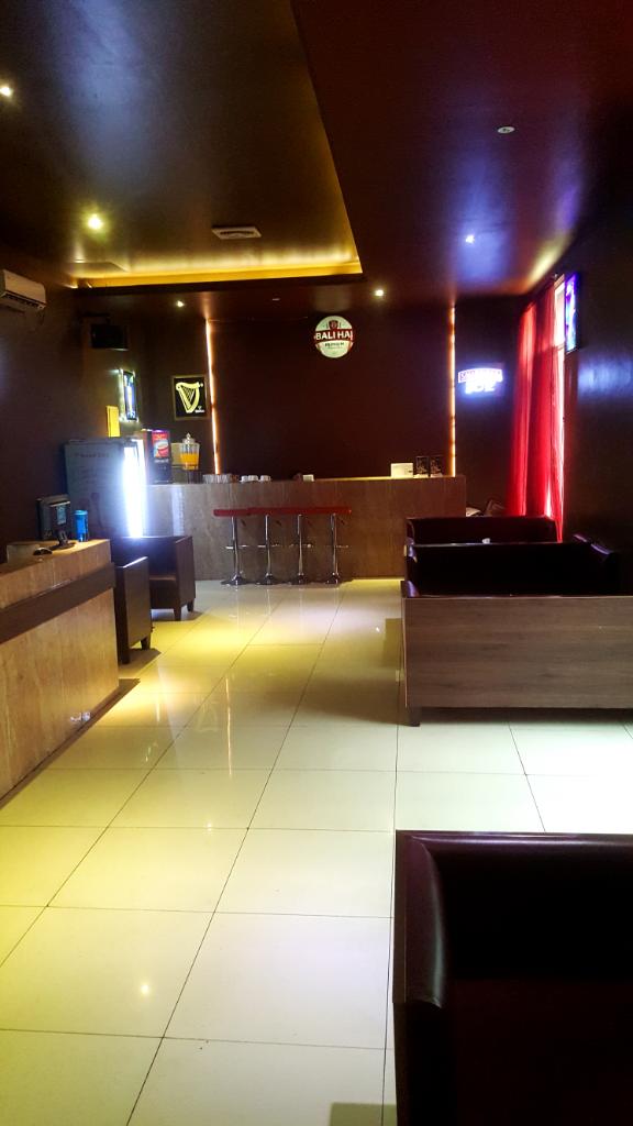 eL LUX Massage & Lounge ( GreenLake City Jakarta Barat
