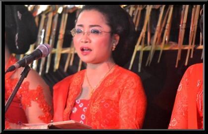 #IniIndonesiaku Bule Juga Jatuh Cinta Dengan Wayang Kulit