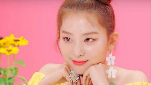Inspirasi Fashion dari Video Klip Red Velvet 'Power Up' yang Unik!