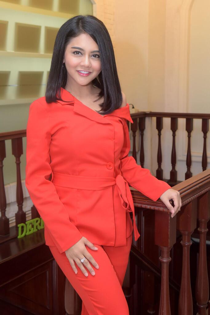 Janeta Janet Pedangdut Yang Sering Pakai Wig