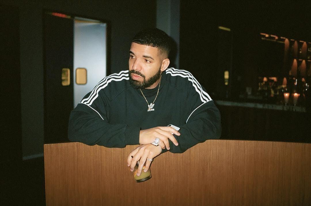 "Dijadikan Lagu Latar ""Kiki Challenge"", Drake Raih Kesuksesan"
