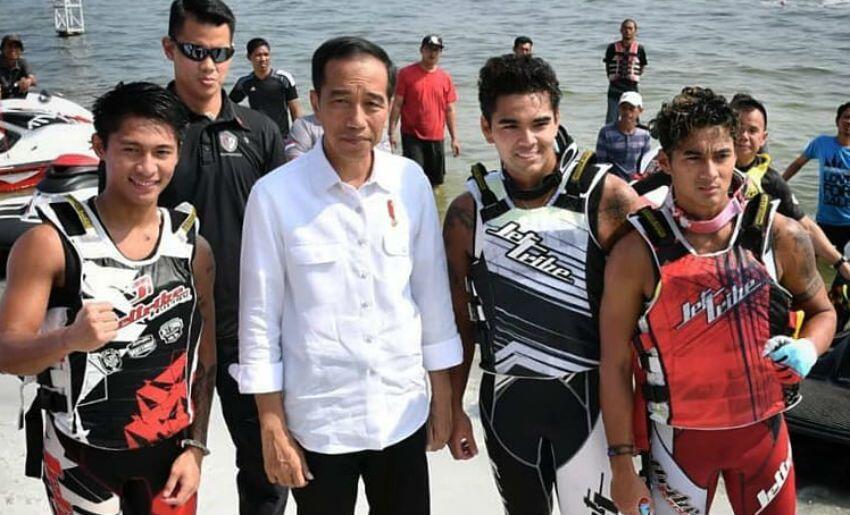 Ditemui Jokowi, Siapa Aero Sutan Aswar? Kenalan Yuk...