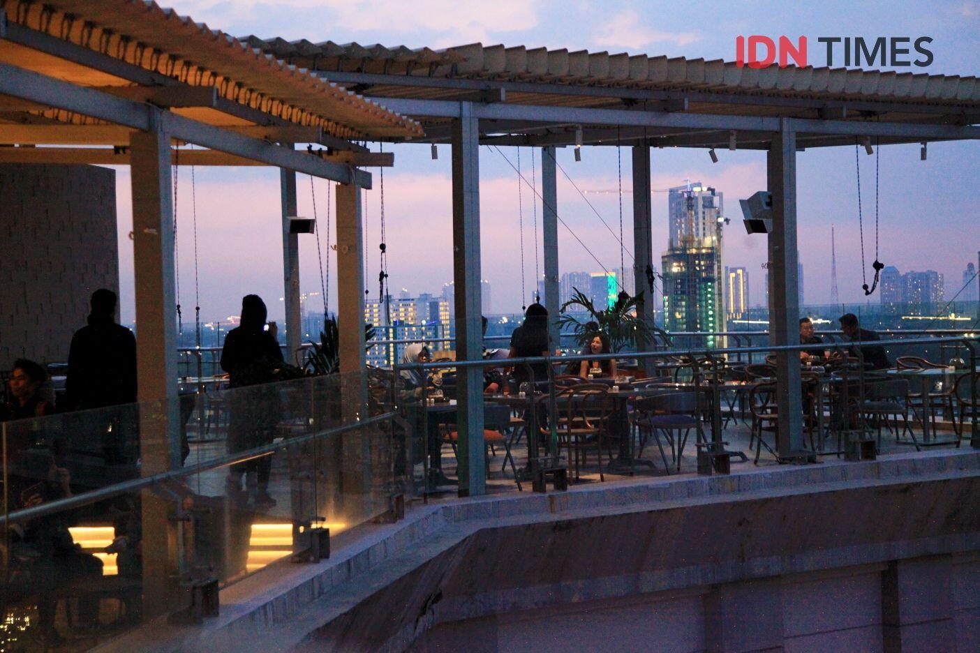 11 Potret Seru Dinner Romantis di Citilites Sky Club & Bistro, Kece!