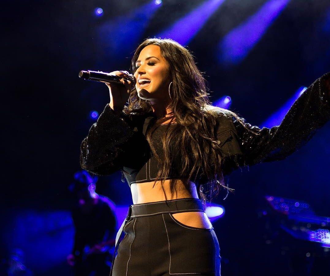 Enak Dinikmati, 10 Lagu Demi Lovato Ini Cocok Temani Harimu