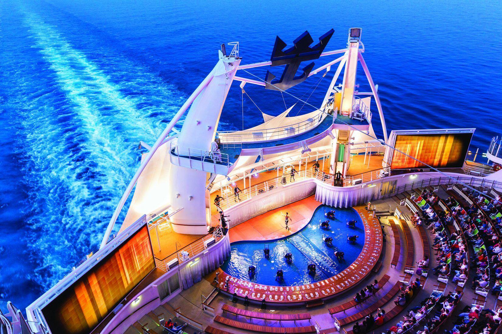 Yuk Intip 14 Potret Kemewahan Kapal Pesiar Symphony Of The Seas Ini!