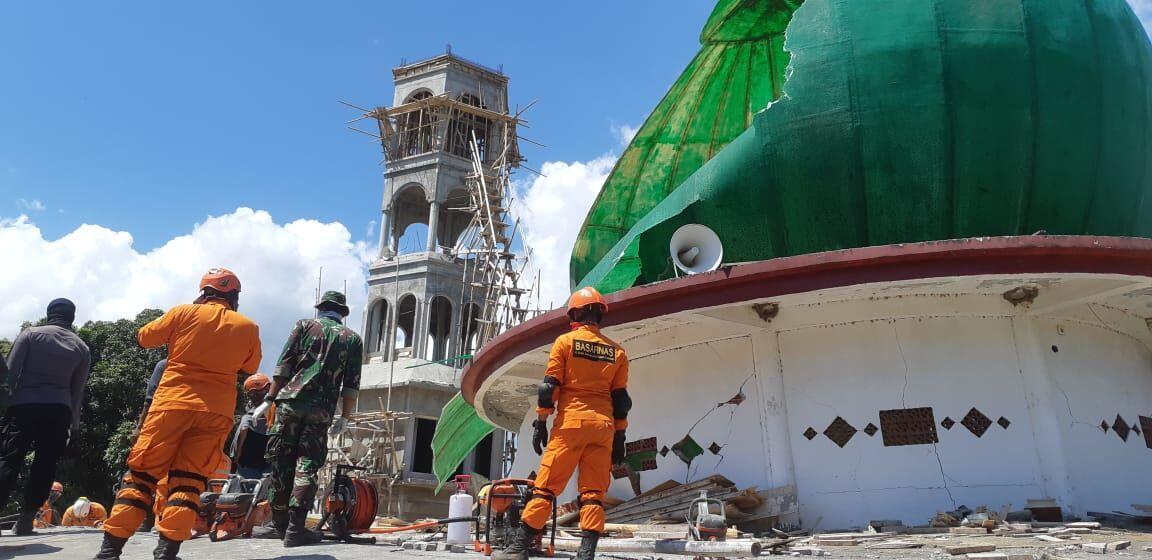 Kisah Korban Selamat Saat Kubah Masjid di Lombok Utara Runtuh