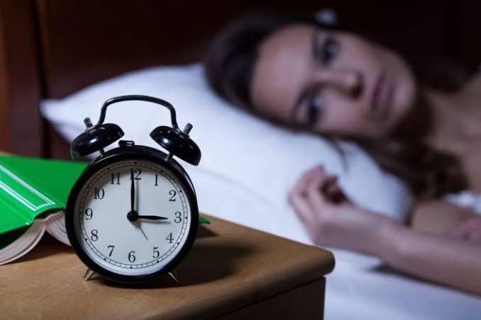 Tidur Dengan Cahaya Terang Ternyata Harus Dihindari