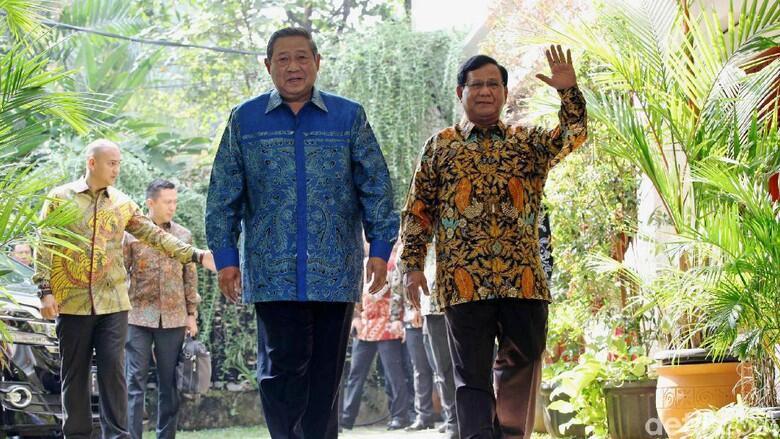 Elite PD Marah: Prabowo Jenderal Kardus!
