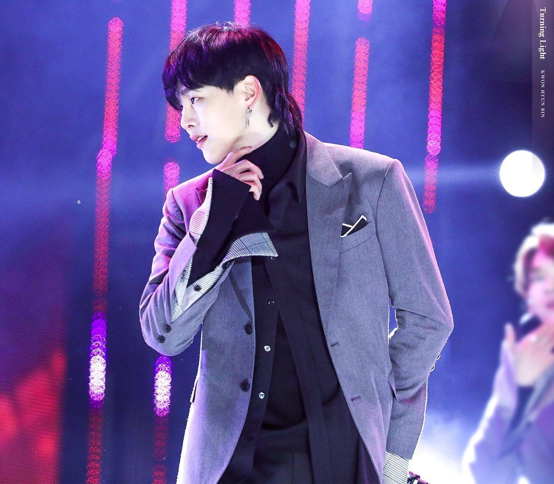 11 Idol KPop Ini Bikin Fans Pangling dengan Gaya Rambut 'Mullet'