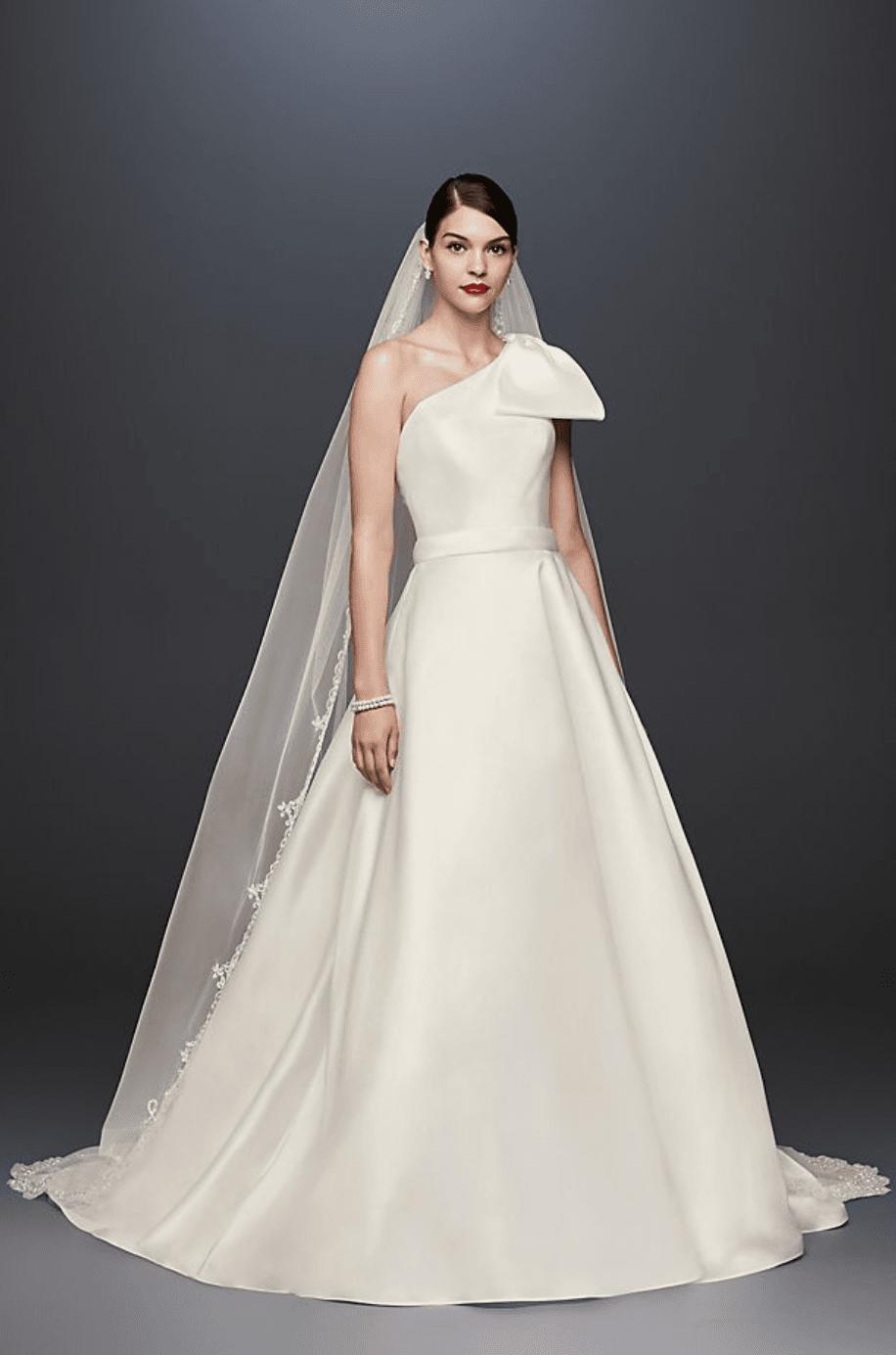 7 Bahan Gaun Pengantin Terbaik, Bikin Terlihat Beda di Hari Bahagia!