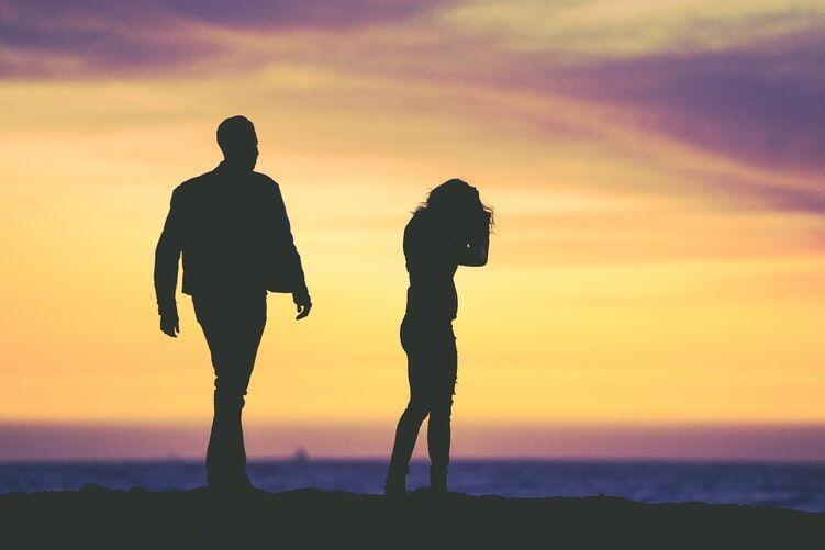 Catat! Ini 5 Alasan Jatuh Cinta dengan Sahabat Itu Menyakitkan