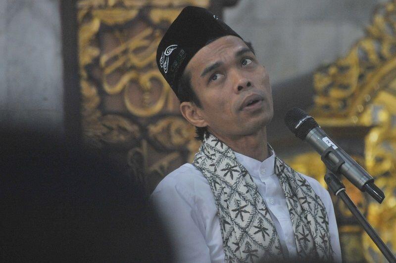 Nama Ustaz Abdul Somad Santer Jadi Cawapres Prabowo, Siapa Dia?
