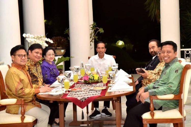 Jokowi dan Cawapresnya Daftar ke KPU Sebelum Jumatan