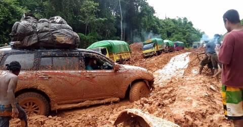 Ketika Mobil Fortuner Jadi Angkot di Tanah Papua