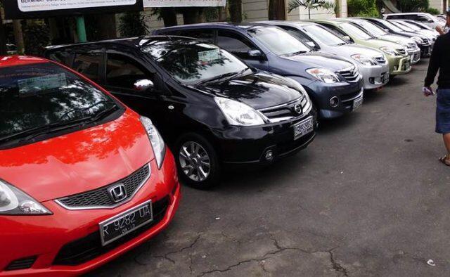 Daftar Harga Mobil Bekas Murah Tahun Muda di Bawah Rp 100 Juta