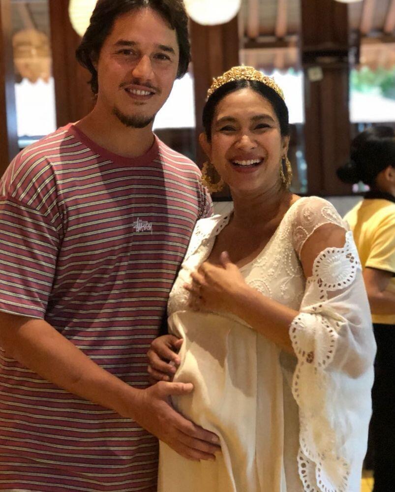 10 Potret Manis Baby Shower Happy Salma, Wah Sebentar Lagi Nih!