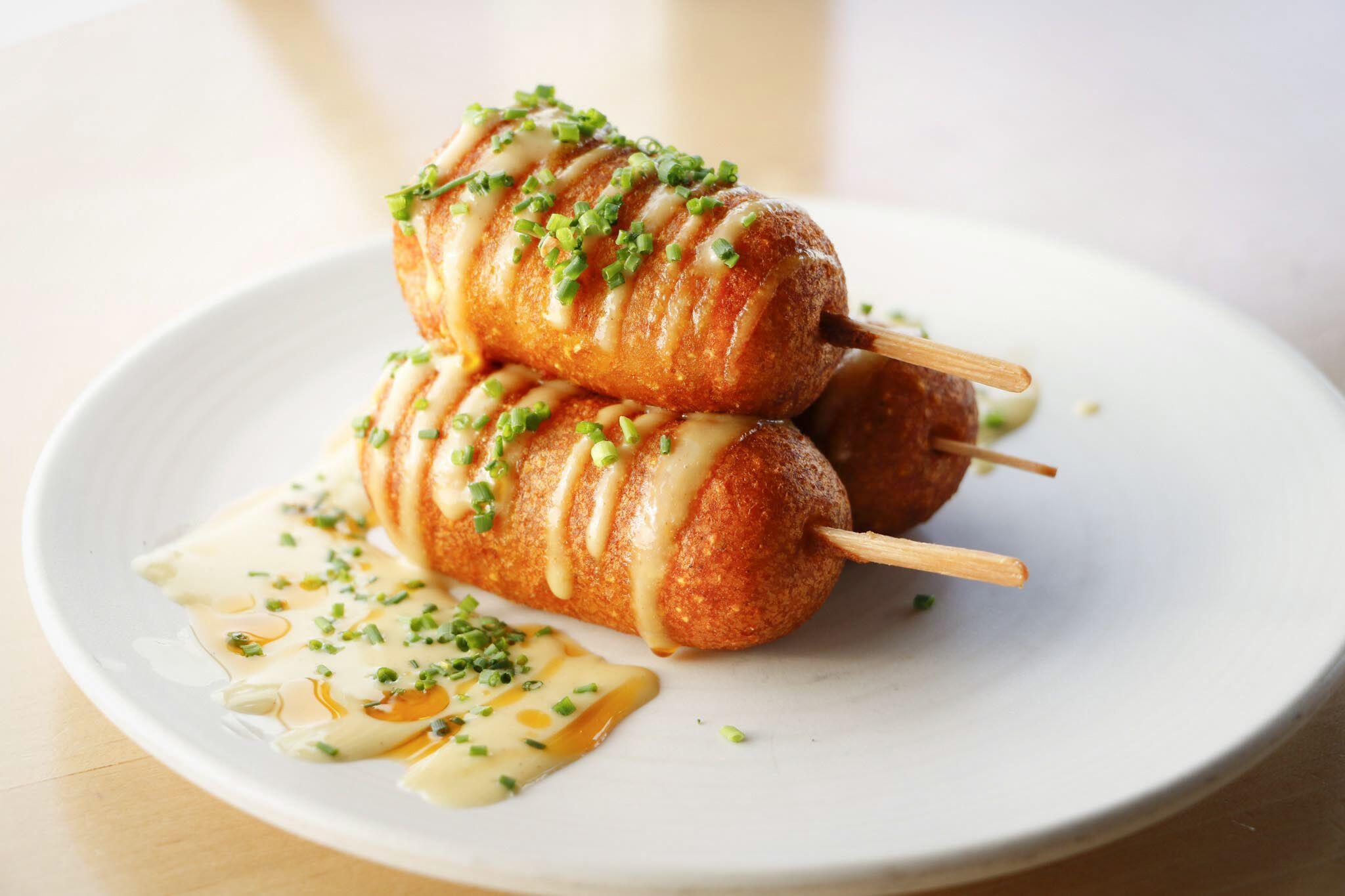 5 Jenis Korean Hot Dog yang Hits Banget, Wajib Coba Satu-satu!
