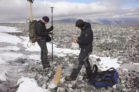 Ribuan Artefak Berusia 6.000 Tahun Tersembunyi Di Bawah Salju Es. Milik Siapa?
