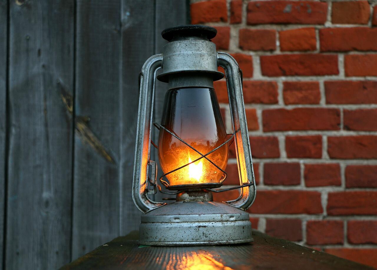 Cuma di 6 Tempat Ini, Agan Masih Bisa Temukan Lampu Petromaks