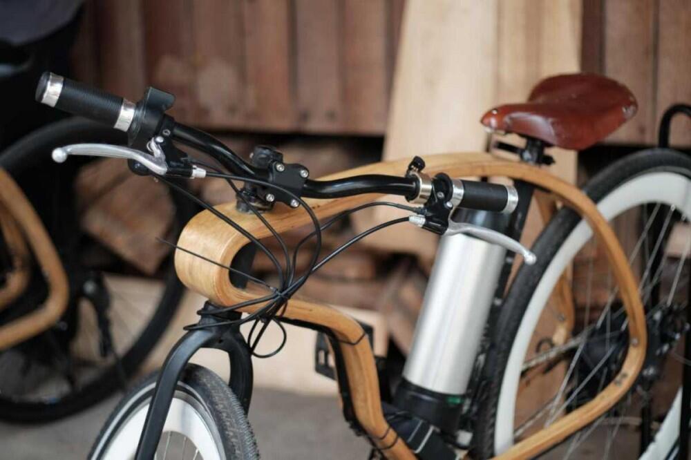 Wooden Bike, Sepeda Kayu Bertenaga Listrik Karya Anak Bangsa #IniIndonesiaku