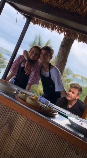 Keluarga Beckham di Bali, Main Air Terjun - Takut Lihat Barong