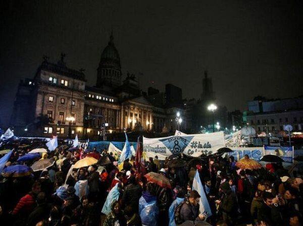 Sebagian Besar Anggota Senat Argentina Tolak RUU Aborsi