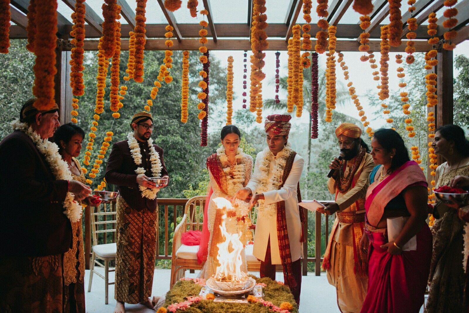 Bak Film India, Ini 10 Momen Manis Pernikahan Artis Nadine Alexandra