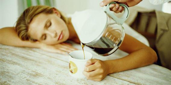 6 Cara Meredakan Sakit Kepala dengan Alami dan Tanpa Efek Samping